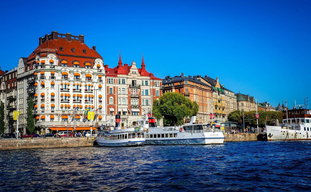 Фотоохота: 42 шведские изразцовые печи — старинные и современные